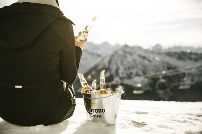 Corona_Rave-on-Snow