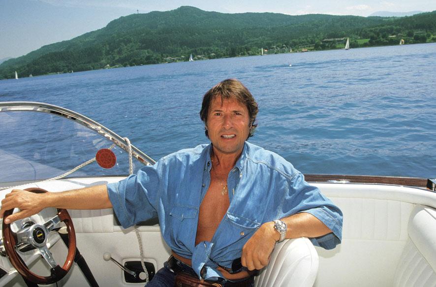 Im Motorboot über den Wörthersee: Udo Jürgens