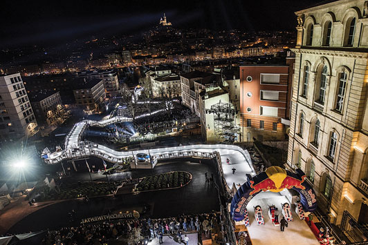 Bild-3-Red-Bull-Crashed-Ice-Marseille©Joerg-Mitter_Red-Bull-Content-Pool