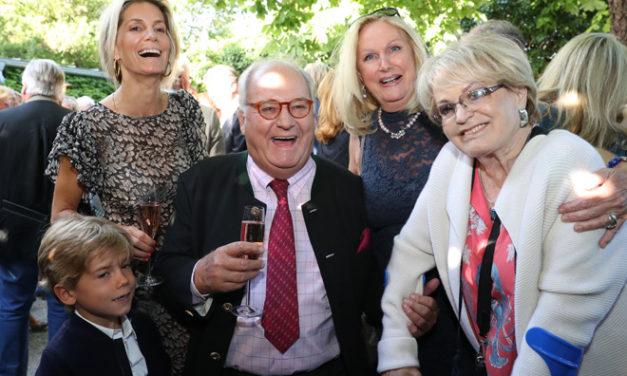 Dreifacher Geburtstagsreigen beim Pfarrwirt in Wien – Heiligenstadt
