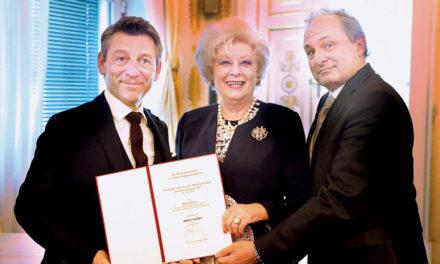 Wir gratulieren Frau Professor Birgit Sarata!